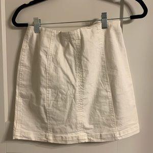 Dresses & Skirts - White mini skirt !